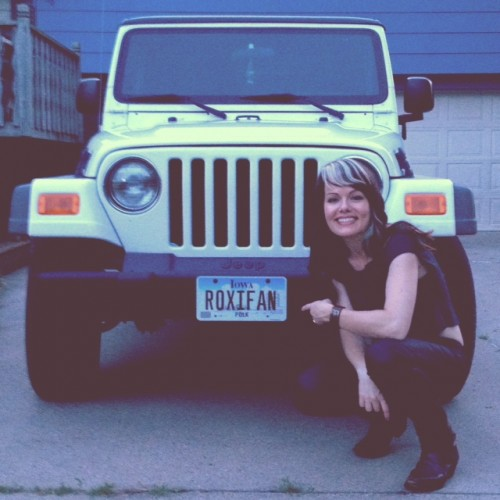 House Concerts have been known to lead to customized Roxi Fan licence plates!